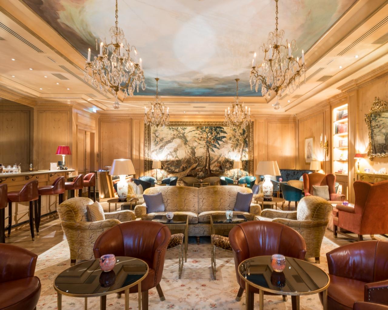 FRANÇOIS CAVELIER Le Bristol Hotel. Paris. MONOCLE