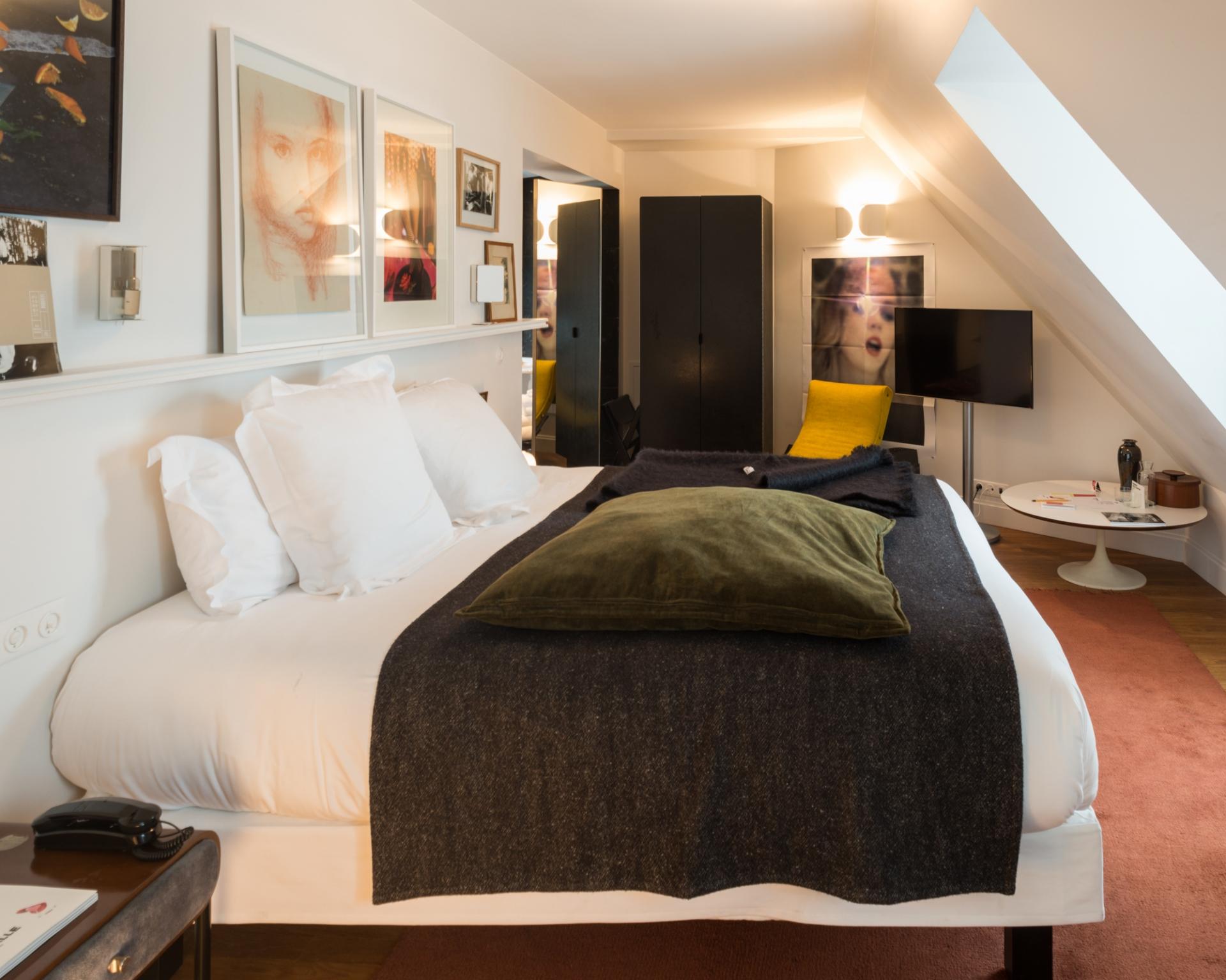 fran ois cavelier monocle le pigalle hotel paris fran ois cavelier. Black Bedroom Furniture Sets. Home Design Ideas