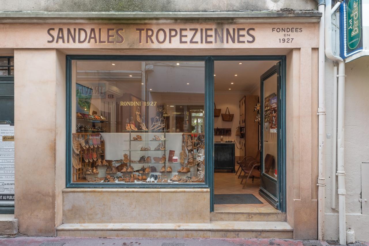 FRANÇOIS CAVELIER Rondini. Saint Tropez. MONOCLE